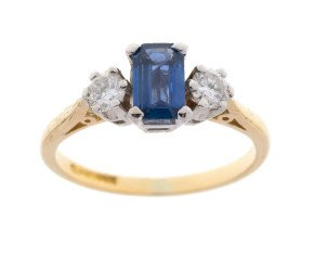 Pre-owned 18ct Yellow Gold 0.50ct Sapphire & 0.30ct Diamond Dress Ring