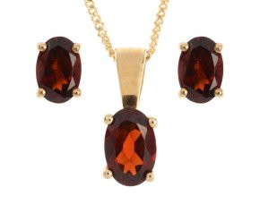 9ct Yellow Gold 1ct Oval Garnet Solitaire Pendant & Earrings Jewellery Set