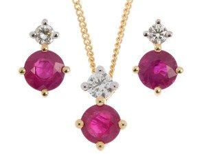 9ct Yellow Gold 0.90ct Ruby & Diamond Pendant & Earrings Jewellery Set