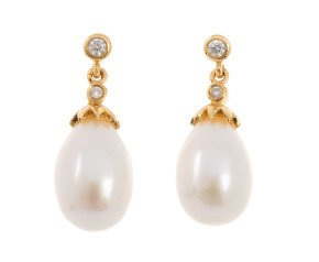 18ct Gold Freshwater Pearl & Diamond Drop Earrings