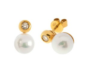 Pre-Owned 18ct Gold Pearl & 0.20ct Diamond Earrings