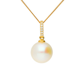 18ct Yellow Gold Pearl & Diamond Pendant