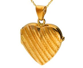 9ct Yellow Gold Patterned Heart Locket