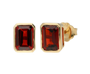 9ct Yellow Gold 2.65ct Rectangular Garnet Solitaire Stud Earrings