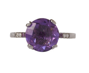 18ct Gold & Amethyst Whispering Small Tear Ring