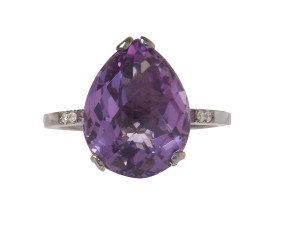 18ct Gold & Amethyst Whispering Small Round Ring