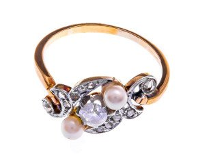 Vintage 18ct Yellow Gold Cultured Pearl & Diamond Ring