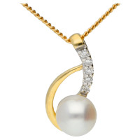 9ct Yellow Gold Diamond & Cultured Pearl Pendant