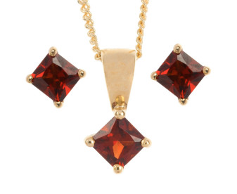 9ct Yellow Gold 0.30ct Square Garnet Solitaire Pendant & Earrings Jewellery Set