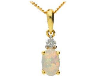 18ct Yellow Gold Opal & Diamond Fancy Pendant