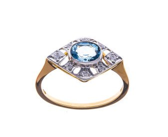 18ct Gold 0.50ct Aquamarine & Diamond Dress Ring